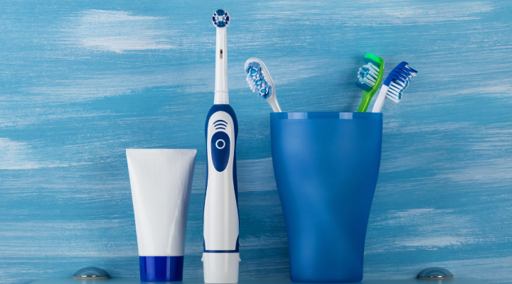manual vs. electric toothbrush